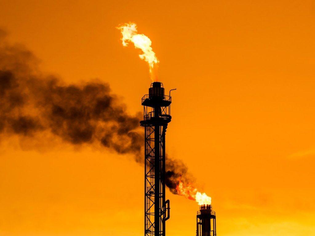oilrefinery-817713130